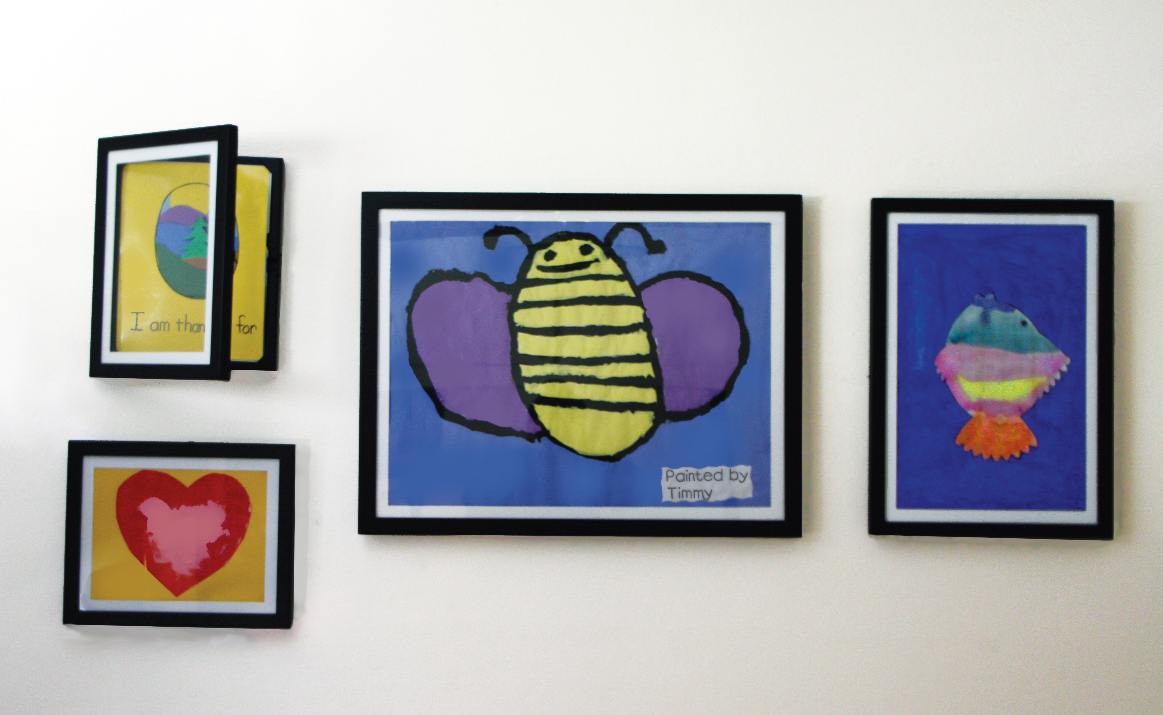 display childrens' art in dynamic frames